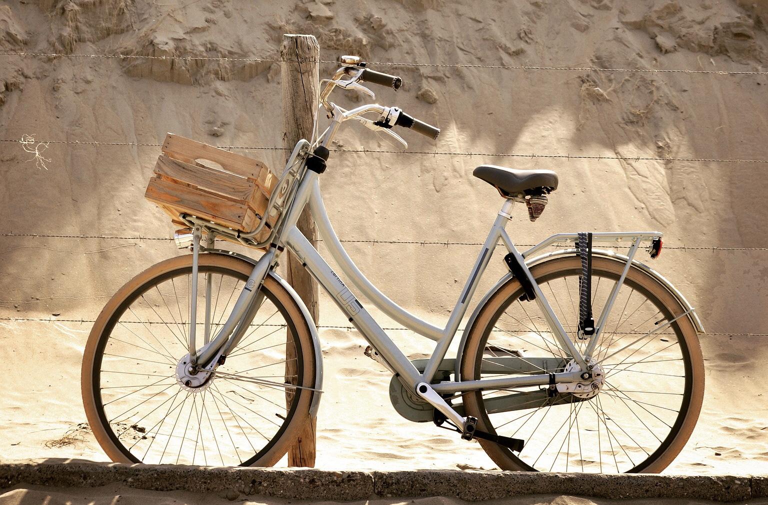 Ausreichend Abstellmöglichkeiten für Fahrräder an Schulen
